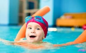 افزایش هوش کودکان-فرزندپروری-ورزش شنا