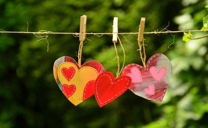 دکتر فرهنگ هلاکویی عشق را اثبات می کند