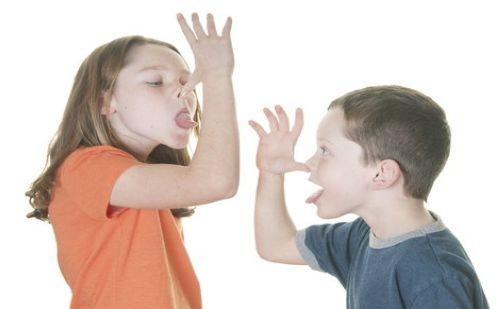 رفتارهای نامناسب کودکان