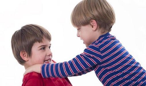 چگونه به فرزندم بیاموزم از خود دفاع کند