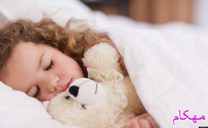 چگونه فرزندم را تشویق کنم تنها بخوابد ؟ دکتر هلاکویی