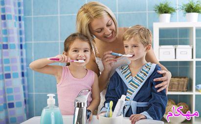 آموزش مسواک زدن به کودک - دکتر هلاکویی-مهکام مجله اینترنتی آموزش خانواده