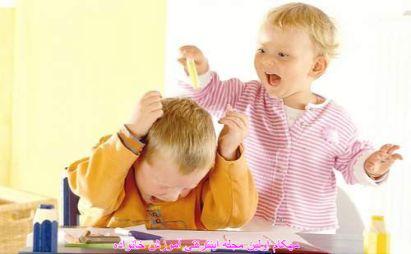 با دعوای کودکان چه کنیم ؟ دخالت کنیم یا نه ؟www.mehcom.com