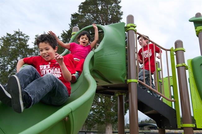 کودکان را به پارک ببرید