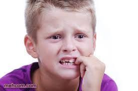 ناخن خوردن کودکان